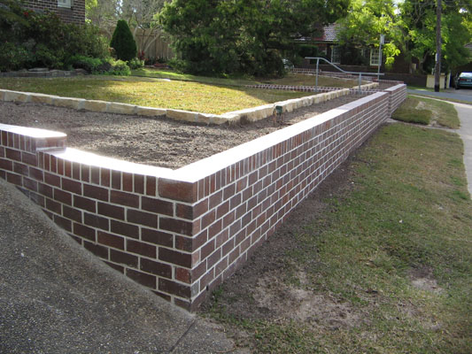 Living edge landscapes of sydney australia retaining walls and paving